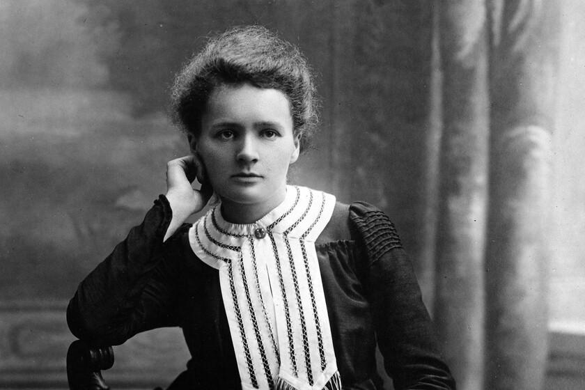 czarno-biały portret Marii Skłodowkiej-Curie