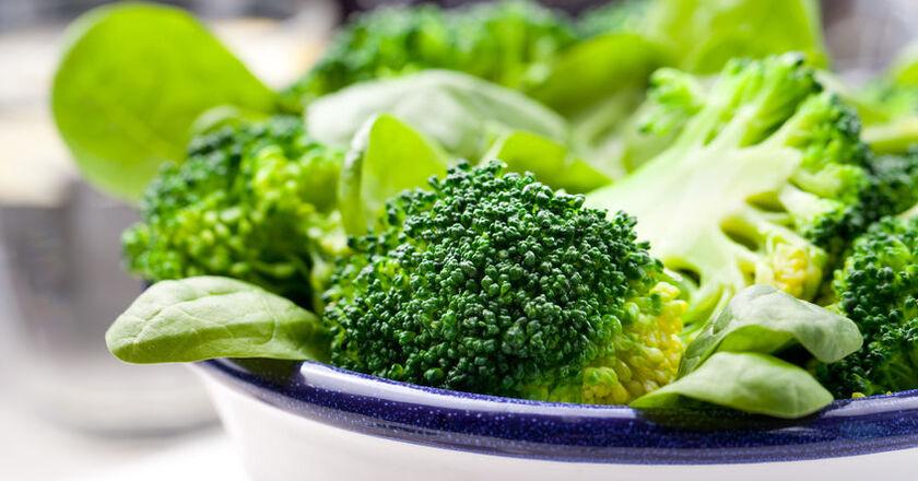 Brokuły ugotowane na paprze