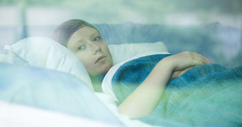 Kobieta po chemioterapii