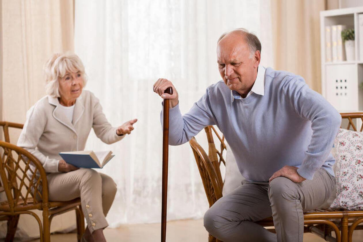 Senior z problemem chrząstki stawowej