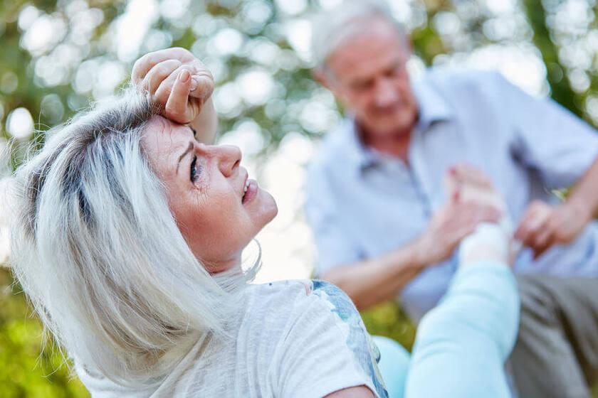 Seniorzy z problemem bólu stawów