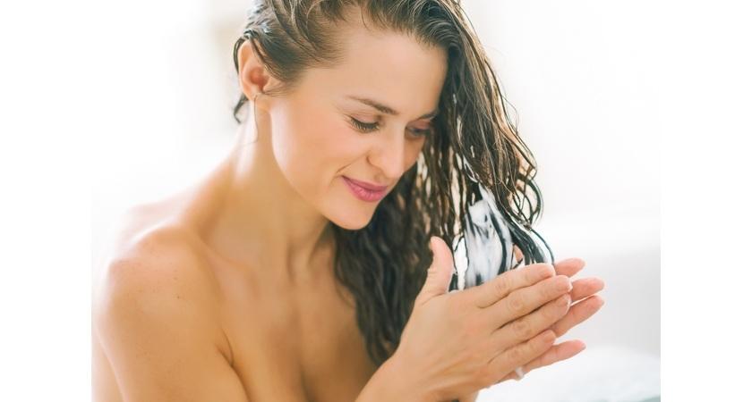 Jak dbać o przetłuszczające się włosy