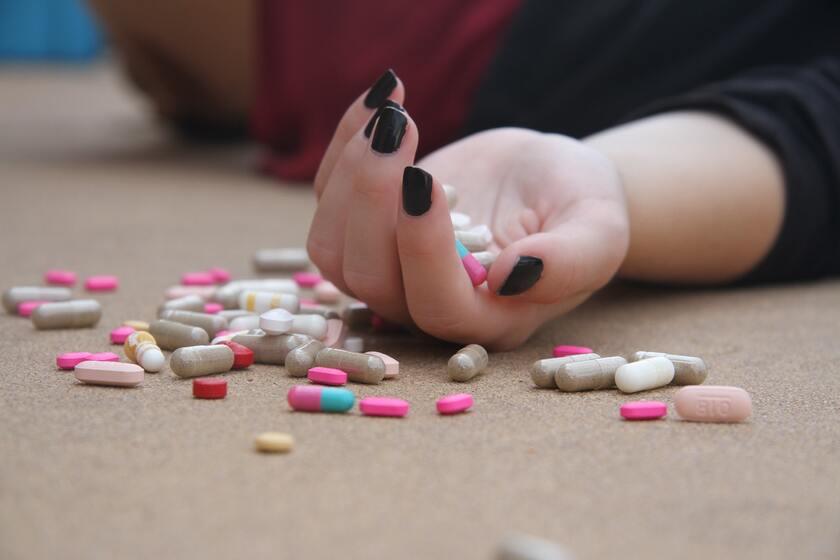 Nielegalne tabletki na odchudzanie
