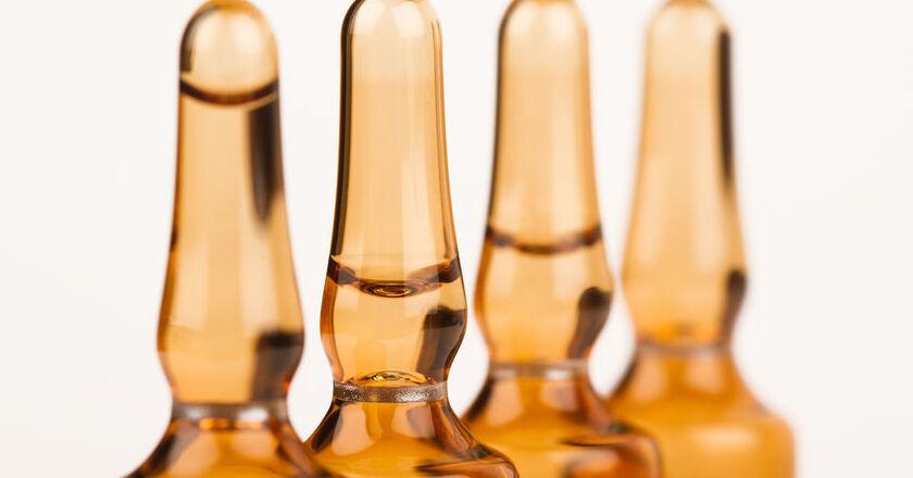 Shoty witaminowe w szklanych ampułkach