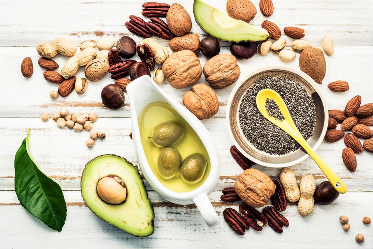 Awokado, orzechy i inne produkty zawierające aminokwasy egzogenne