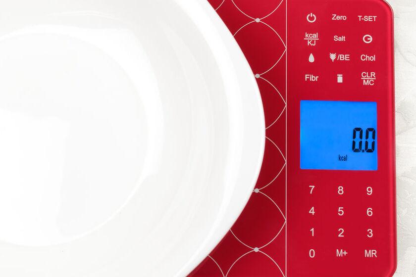 Waga dietetyczna wskazuje zero kalorii