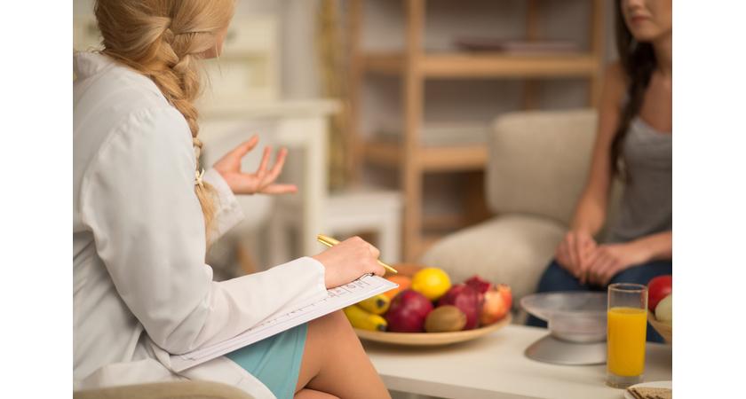 Kobieta na wizycie u dietetyka