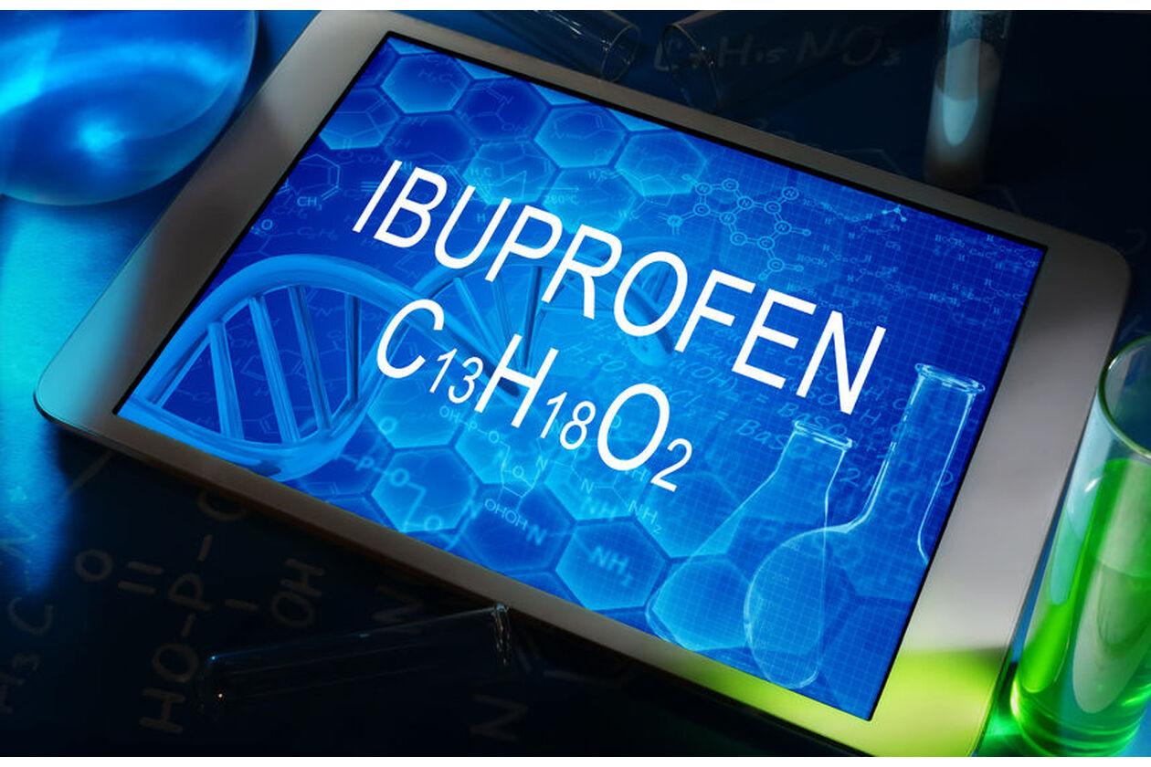Tablet wyświetlający wzór Ibuprofenu