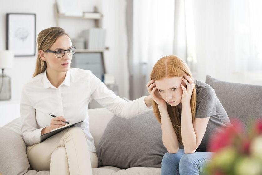 Kobieta z zaburzeniami emocjonalnymi