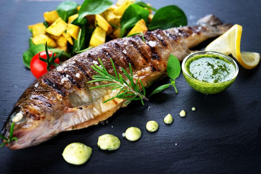 Grillowana ryby dla kobiety w ciąży