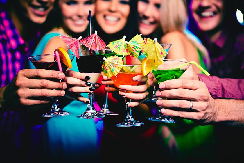 Alkohol spożywany w celach towarzyskich dla poprawy nastroju.