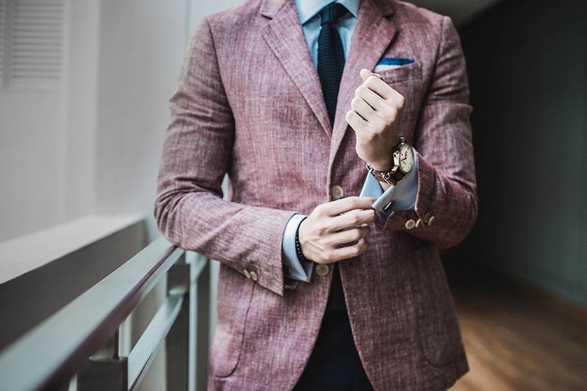 Najmodniejsze dodatki do męskich stylizacji