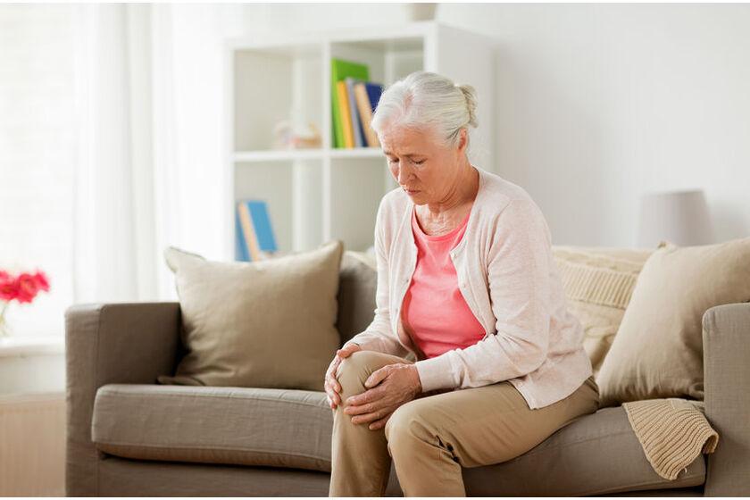 Pacjentka z problemem gonartrozy