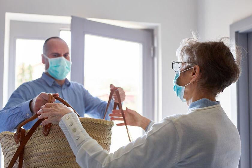 Pomoc dla seniorów w czasie pandemii