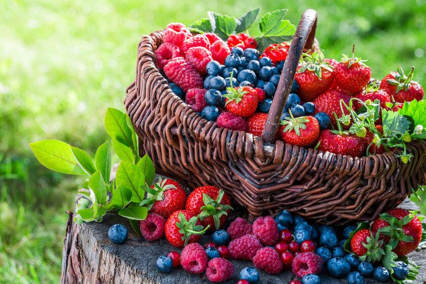 Jagody, truskawki i maliny to częsty składki diety niskowęglowodanowej