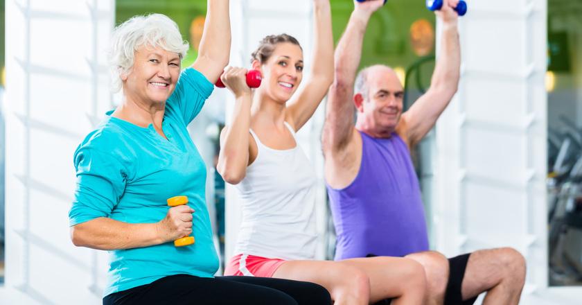 Seniorzy na siłowni