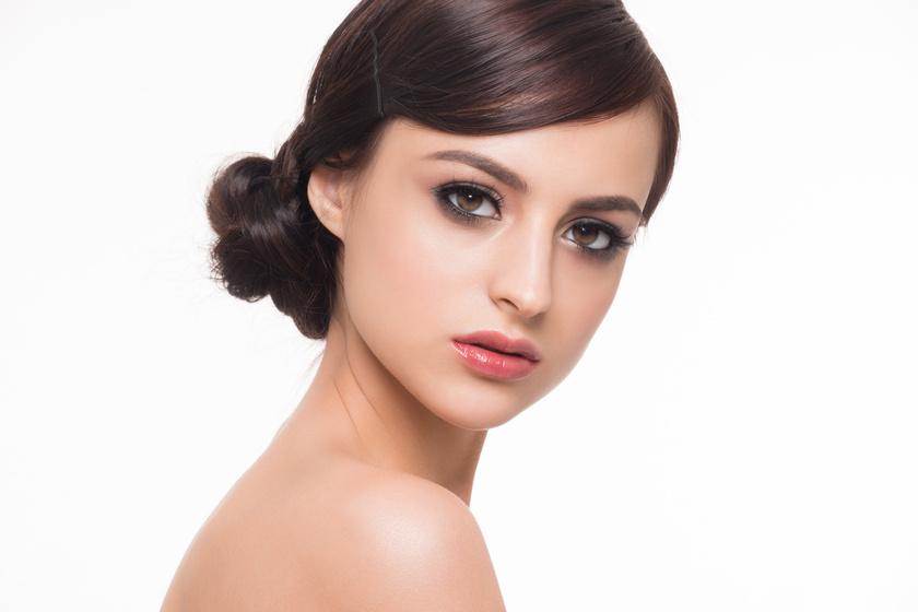 Kobieta po zastosowaniu makijażu pernamentnego