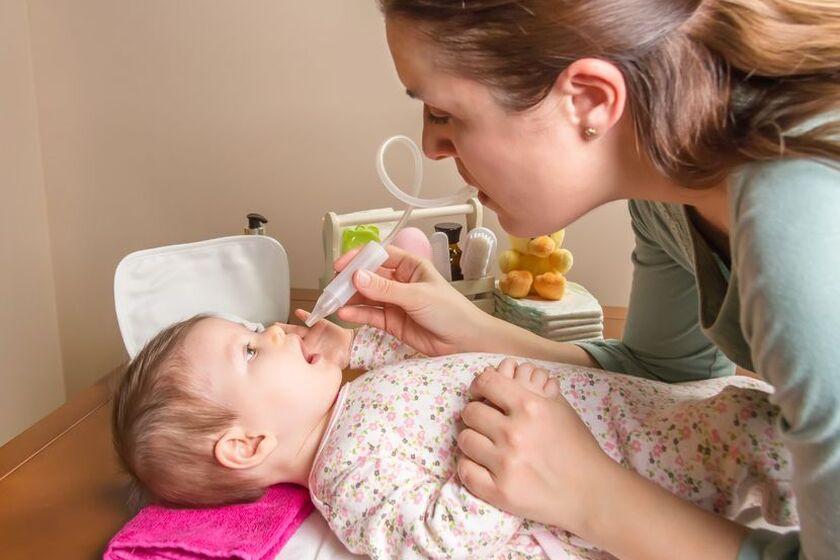 Dziecko z katarem w czasie ząbkowania