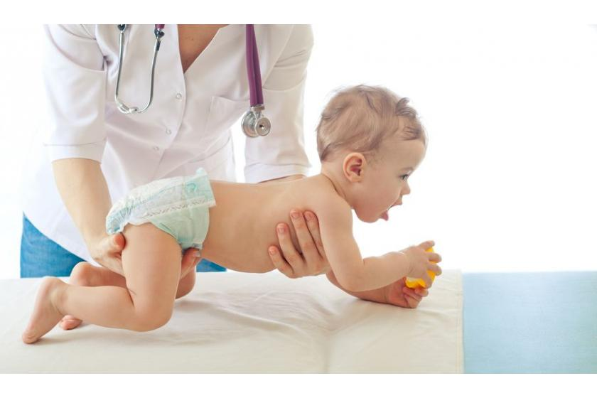 Obejmowania u noworodka