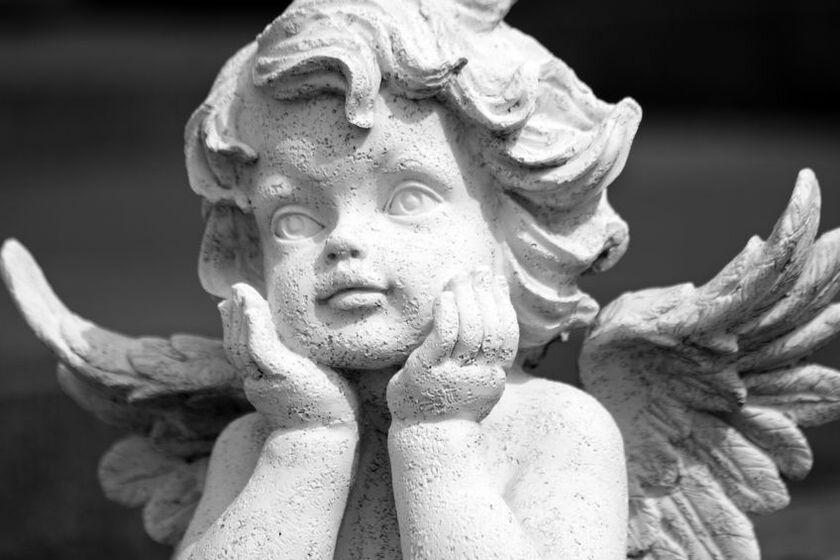 Posąg aniołka
