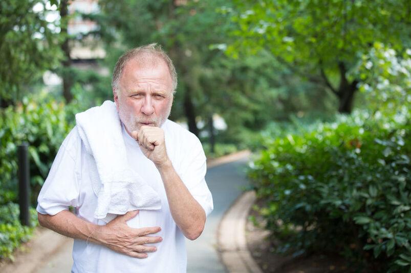 Mężczyzna z chorobą płuc