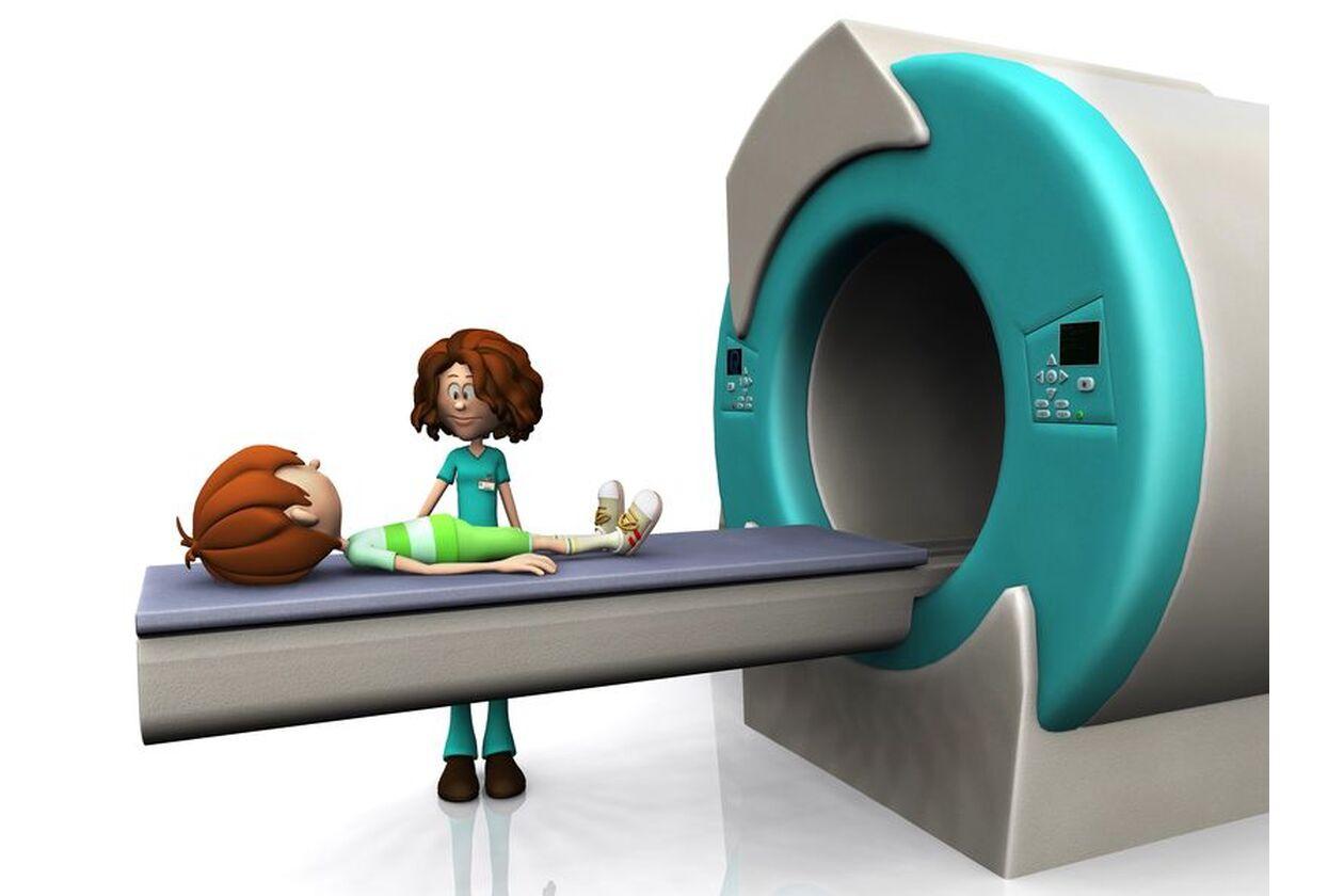 Dziecko podczas badania obrazowego rezonansem