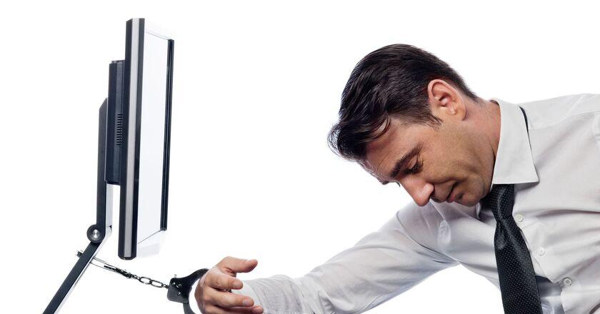 Pracoholizm - praca przy komputerze