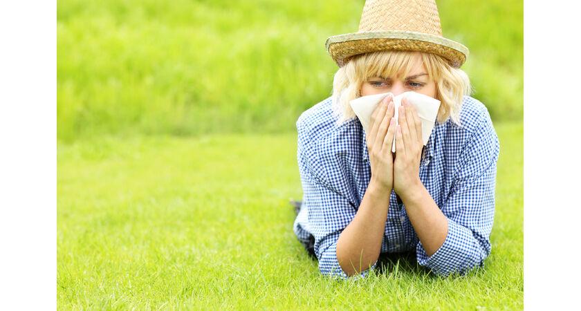Kobieta cierpiąca na alergię