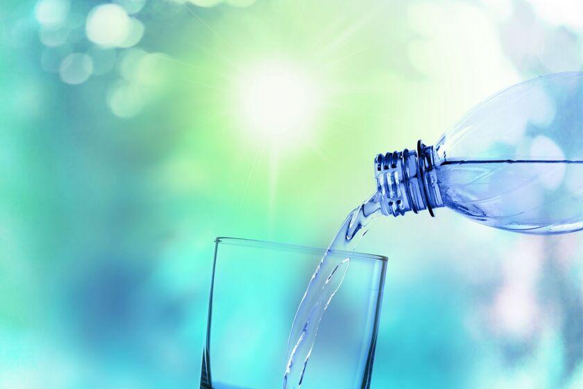 Szklanka wody mineralnej
