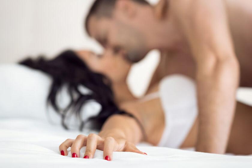 Para uprawia seks przerywany