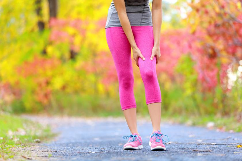 Kobietę bolą mięśnie nóg